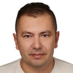 Janusz {ukowski